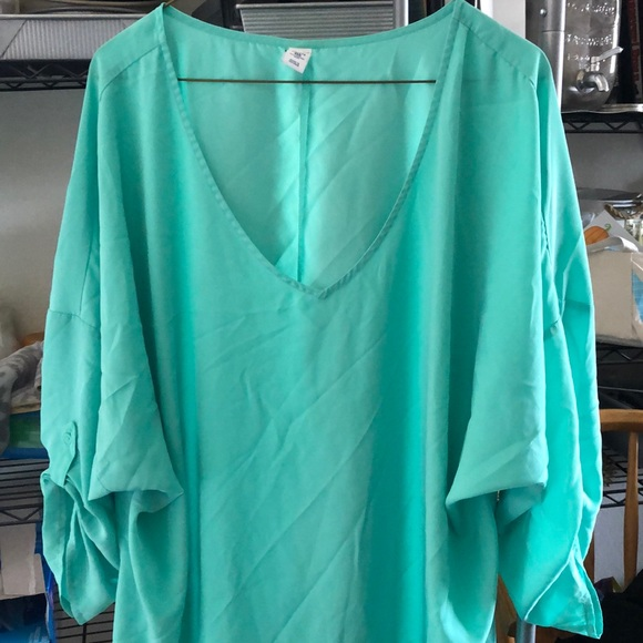 Old Navy Tops - Old Navy XXL Tall V-Neck Blouse